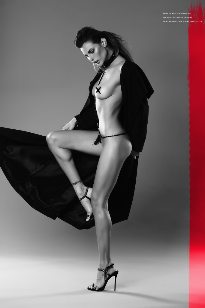 Dayanne Mello  by Alex Belli